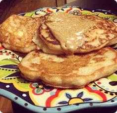 Easy {gluten free} Banana Pancakes: 1/2 cup gluten free Bisquick, 1 mashed banana, dash of cinnamon, 1/2 cup milk