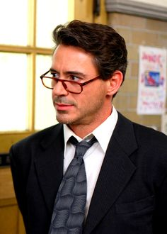 """RDJ as Principal Nathan Gardner in """"Charlie Bartlett"""" (a surprisingly sweet and affecting movie - not at all what I thought it would be...)"""