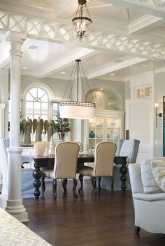 Newport Beach traditional dining room Love the table and chairs Dining Room Design, Dining Room Furniture, Dining Rooms, Dining Area, Home Decoracion, Interior Decorating, Interior Design, Decorating Ideas, Dining Room Inspiration