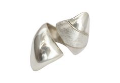 Sterling silver hand carved ring Modern Jewelry, Precious Metals, Hand Carved, Pearl Earrings, Carving, Sculpture, Jewels, Sterling Silver, Elegant