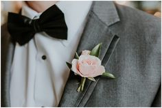 Groom attire. Groom details. See more of this southern boho bride in this blog post! / Sarah Sidwell Photography offers wedding coverage in Nashville, Franklin, Brentwood, and surrounding areas in Tennessee. And is available for destination weddings.