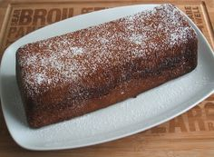 Fennel honey cake - Food From Portugal. A traditional cake, very simple to prepare, with excellent presentation, confectioned with fennel, honey, flour, sugar, olive oil, lemon zest, garnished with powdered sugar. http://www.foodfromportugal.com/fennel-honey-cake/