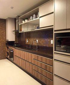 Uma das áreas que mais amo da casa, a cozinha! Projeto @claudiny