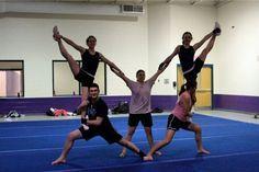 flag stunt Cheerleading Pyramids, Cheer Pyramids, School Cheerleading, High School Cheer, Cheerleading Stunting, Gymnastics Stunts, Cheerleading Videos, Cheerleading Cheers, Easy Cheer Stunts