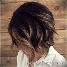 Balayage Ideas for Short Hair - Balayage Short Bob - Tips, Tricks, And Ideas for Balayage Hairstyles You Can Do At Home And For Short And Very Short Hair. DIY Balayage Hair Styles That Cost Way Less. Try The Pixie Balayage Hairdo For Blonde Or Dark Brunet Hair Color Balayage, Hair Highlights, Brunette Balayage Hair Short, Balayage Brunette Short, Copper Highlights, Bayalage For Short Hair, Short Hair Ombre Brown, Ombre Short Bob, Hair Colour