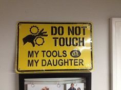 Garage workshop: My daddy needs this in his shop! Man Cave Garage, Cave Bar, Garage Atelier, Garage Floor Paint, Mechanic Shop, Truck Mechanic, Mechanic Garage, Mechanic Humor, Garage Signs