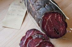 How to make Bresaola spiced, air-dried beef it's one of the simplest bits of charcuterie to do at home and makes a great first project Sausage Recipes, Meat Recipes, Cooking Recipes, Home Made Sausage, Sausage Making, Cuisines Diy, Charcuterie Recipes, Biltong, Dehydrated Food