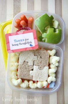 School Lunch Round Up Week 16 - puzzle sandwich - @easylunchboxes - FamilyFreshMeals.com