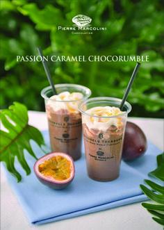 PASSION CARAMEL CHOCORUMBLE Wine Drinks, Coffee Drinks, Drink Menu, Food And Drink, Bubble Tea Shop, Drink Photo, Milk Tea, Sweet Desserts, Coffee Recipes