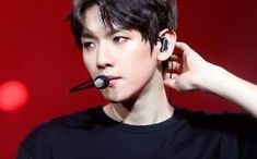 Baekhyun✨   Who is your EXO best friend Exo Quiz, Exo Songs, Baekhyun Chanyeol, What Is Love, Listening To Music, Games To Play, It Hurts, Best Friends, Beat Friends