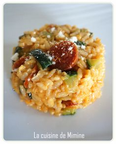 150 g round risotto rice (Arborio type) chorizo ​​(I like spicy dishes! If not, choose a sweet chorizo) 1 zucchini 1 small shallot 8 cl dry white wine 60 cl broth cl water + 1 cube of chicken Meat Recipes, Chicken Recipes, Dinner Recipes, Grilling Recipes, Chorizo Risotto, Risotto Cremeux, Spicy Dishes, Summer Recipes, Side Dishes
