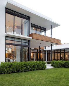 Modern Exterior Home Ideas: 18 Modern Glass House Exterior Designs Modern Glass House, Modern House Design, Modern Interior Design, Interior Architecture, Contemporary Design, Glass House Design, Contemporary Houses, Contemporary Architecture, Minimalist Architecture