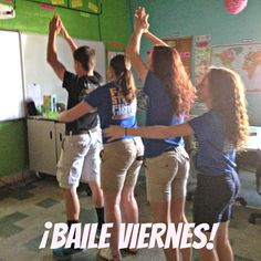 My new favorite class routine is baile viernes (dance Friday) . Every day we start class with a Para Empezar bell ringer, which I gl. Spanish Dance, Spanish Songs, Spanish 1, Learn Spanish, Spanish Games, Spanish Pictures, Spanish Teaching Resources, Spanish Activities, Class Activities