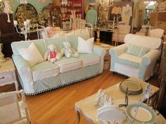 donna thomas shabby chic | vintage chenille bedspread slipcovers vintage chic furniture eclectic