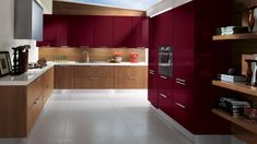 We are showcasing 15 High Gloss Kitchen Designs with Modular kitchen colours for you to pick from, admire and get an idea of how your new kitchen will look like. Basic Kitchen, Modern Kitchen Cabinets, Kitchen And Bath, New Kitchen, Kitchen Room Design, Modern Kitchen Design, Kitchen Designs, Scavolini Kitchens, Küchen In U Form