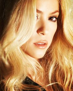 Shakira, Singers, Celebs, Long Hair Styles, Hot, Sexy, Womens Fashion, Beauty, Beautiful