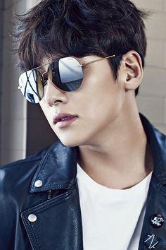 Police ❤❤ 지 창 욱 Ji Chang Wook ♡♡ that handsome and sexy look . Ji Chang Wook Smile, Ji Chang Wook Healer, Ji Chan Wook, Asian Celebrities, Asian Actors, Korean Actors, Park Hae Jin, Park Seo Joon, Ahn Jae Hyun