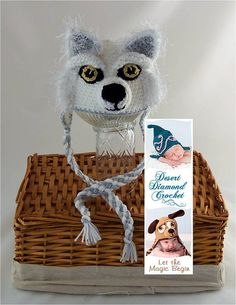 Hey, I found this really awesome Etsy listing at https://www.etsy.com/listing/130335317/crochet-pattern-081-white-wolf-earflap