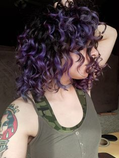 For all natural curlies, coilies, and wavies! Find help with your hair, recommendations on products, technique advice. anything to help tame. Curly Purple Hair, Ombre Curly Hair, Colored Curly Hair, Lilac Hair, Curly Hair Tips, Dyed Hair, Curly Hair Styles, Color Block Hair, Hair Color And Cut