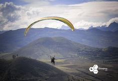 Enjoy flying the Sacred Valley of the Incas by paragliding. Cusco has a lot to offer while you're travelling to Machupicchu. Fly like the andean condor and feel the freedom in the heart of the Andes. Andean Condor, Best Seasons, Paragliding, Peru, Adventure, Amazing, Travel, Life, Turkey