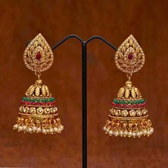Z Fashion Trend: BEAUTIFUL GOLDEN JHUMKAS WITH PEARL DROPS