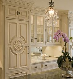 Unique Home Architecture — Beautiful kitchen charisma design Elegant Kitchens, Luxury Kitchens, Beautiful Kitchens, Home Kitchens, Beautiful Homes, Kitchen Decor, Kitchen Design, European Kitchens, French Country Kitchens