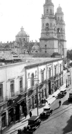 En 1911 desde la azotea de Banamex (antigua casa del diezmo)