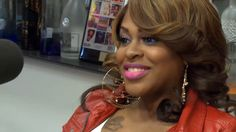 Lil Mo talks 'R Divas LA' with The Breakfast Club (Video)- http://getmybuzzup.com/wp-content/uploads/2013/05/lil-mo-587x330.png- http://getmybuzzup.com/lil-mo-talks-rb-divas-la-with-the-breakfast-club-video/-  Lil Mo talks RB Divas LA with The Breakfast Club Singer Lil Mo stops by Power105.1fms The Breakfast Club radio show in NYC. While there she talks about having kids, being on the upcoming reality TV show RB Divas LA on TVone