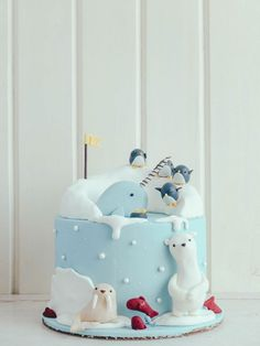 Arctic cake with narwhal, polar bears, penguins Fondant Cakes, Cupcake Cakes, Decors Pate A Sucre, Penguin Cakes, Cake Wrecks, Animal Cakes, Novelty Cakes, Sugar Art, Christmas Baking