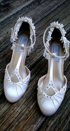 "Flapper style wedding shoes, Model ""Ava"""