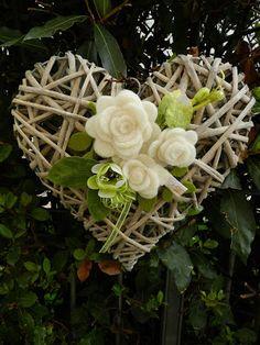 Artificial Flower Arrangements, Floral Arrangements, Felt Flowers, Fabric Flowers, Heart Decorations, Wedding Decorations, Christmas Wreaths, Christmas Crafts, Wicker Hearts