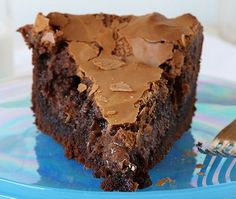 Ooey Gooey Cake is the best chocolate cake you will ever try!Chocolate Ooey Gooey Cake is the best chocolate cake you will ever try! Cupcakes, Cupcake Cakes, Poke Cakes, Layer Cakes, Sweet Recipes, Cake Recipes, Dessert Recipes, Chocolate Cake Mixes, Chocolate Desserts