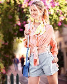 burda style, Schnittmuster, Shorts - kurze Bundfaltenhose 03/2016 #113, Bogenkanten an den Hüftpassentaschen geben den ausgestellten Jeansshorts mit Bundfalten lässige Eleganz.