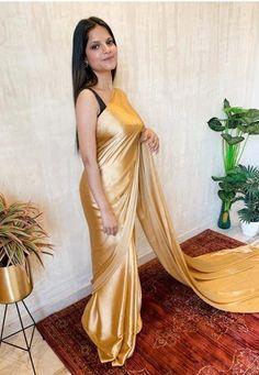 Satin Saree, Silk Satin, Silk Sarees, Indian Wedding Wear, Saree Wedding, Indian Bollywood Actress, Bollywood Fashion, Bridesmaid Saree, Bridesmaids
