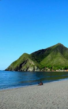 Estado Aragua: Chuao. Venezuela Beaches, Sea Photography, Exotic Beaches, North And South America, Beautiful Landscapes, The Good Place, Beautiful Places, Places To Visit, Around The Worlds