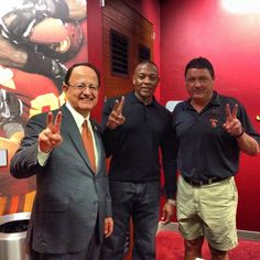 USC President Max Nikias, Dr. Dre, and Coach O. That's what you call awesomeness coming together!