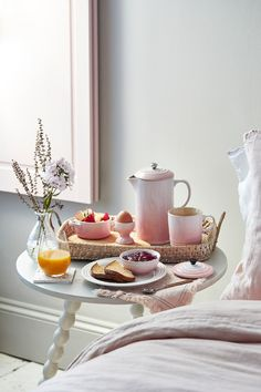 New Shell Pink has been inspired by the soft tones of seashells, capturing the essence of romance and summer sunsets. Add an elegant blush to the kitchen and the home with Shell Pink from Le Creuset, launching in store and online at www.lecreuset.co.za from 14th February 2020. Summer Sunset, Le Creuset, Seashells, Old Houses, Cookware, Sunsets, February, Sweet Home, Table Settings