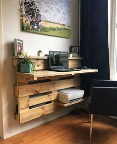 Are you struggling in finding ideas to build your own DIY computer desk? Well, if you find this article, you're in luck! Because we have compiled a list of 50 Favorite DIY Computer Desk Design Ideas and Decor from… Continue Reading → Wooden Pallet Shelves, Pallet Desk, Wooden Pallet Projects, Wooden Pallet Furniture, Diy Furniture, Pallet Furniture Office, Wooden Pallet Wall, Garden Furniture, Pallet Tables