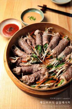 연말이라 그런지 왠지 마음이 분주 해요. 하는 일 없이 막 시간이 지나가고 정신차려보니 올해도 정말 몇일... Food Menu Design, Aesthetic Food, Korean Food, Food Plating, No Cook Meals, I Foods, Asian Recipes, Great Recipes, Food Photography