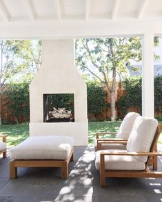 Dress up your backyard patio with some gorgeous outdoor fireplace seating ideas . - Outdoor Kitchen Bars about you searching for. Fireplace Seating, Backyard Fireplace, Fireplace Ideas, Fireplace Outdoor, Brick Fireplaces, Porch Fireplace, Outdoor Fireplace Designs, Fireplace Mantle, Casa Patio