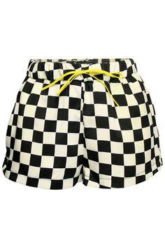 Black-White Square Short Pants at #Romwe