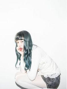 【奇抜/カラフル】個性的なヘアカラーの女の子*画像集【色別】 - NAVER まとめ