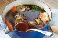 Il brodo di carne tradizionale - Se avete tempo, preparate voi stessi il brodo di carne tradizionale: fatto in casa è squisito.