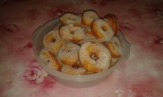 Frittelle fatte in casa Home made tradicional deserts