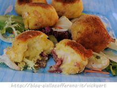 Bomboloni di patate olive e salame, ricetta sfiziosa, secondo, finger food, antipasto, feste, ricetta per bambini, idea per pranzo, cena, ricetta facile padella o forno