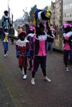 Acrobaat Zwarte Pieten.