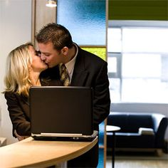 Wondering how successful online dating is? How about 280,000 marriages a year, according to Online Dating Magazine!