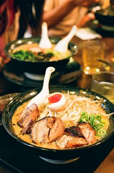 ラーメン、Ramen in Ikebukuro, Tokyo, Japan Japanese Noodles, Japanese Ramen, Japanese Dishes, Japanese Food, Asian Recipes, Healthy Recipes, Mets, International Recipes, I Love Food