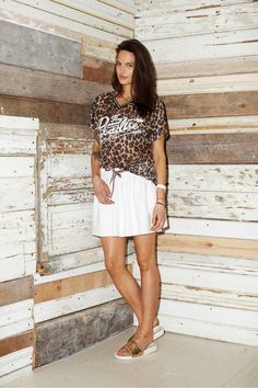 T-SHIRT BALI gepard Bali, Mini Skirts, Fashion, Moda, Fashion Styles, Mini Skirt, Fashion Illustrations