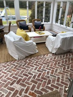 From old schoolhouses to factories, we curate old full bricks and slice them into thin brick veneer and floor tiles, while keeping the antique look. Terrazo Flooring, Flagstone Flooring, Timber Flooring, Concrete Floors, Flooring Tools, Types Of Flooring, Thin Brick Veneer, Stone Farms, Floor Design